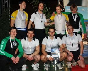 Das Männer-Team bei der Siegerehrung.